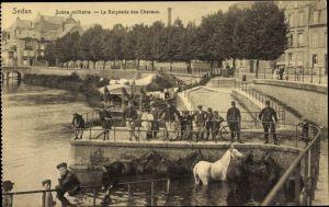 Ak Sedan Ardennes, Scene Militaire, La Baignade des Chevaux