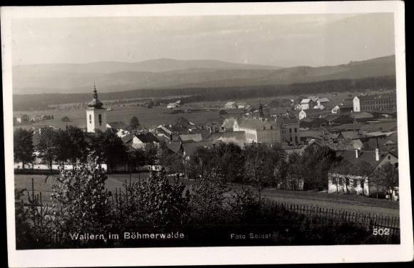 Ak Volary Wallern Südböhmen, Teilansicht, Kirche, Umland