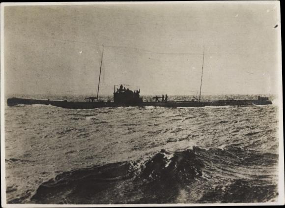 Foto Deutsches U Boot, Unterseeboot, Stürmische See