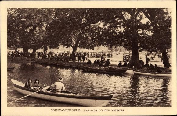 Ak Konstantinopel Istanbul Türkei, Les eaux douces d'Europe, Ruderboot, Familie