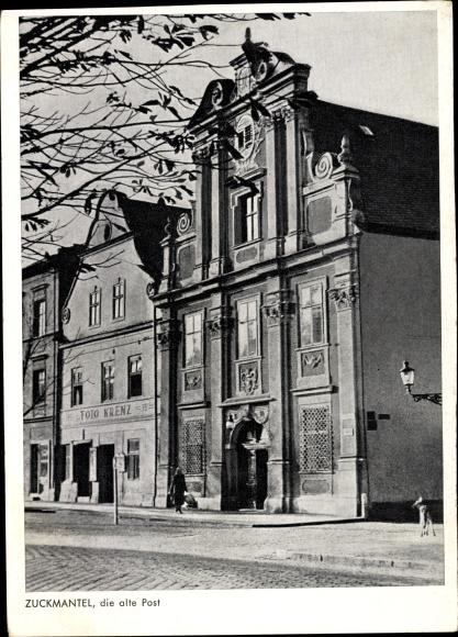 Ak Zlaté Hory Zuckmantel Reg. Olmütz, Die alte Post, Straßenansicht