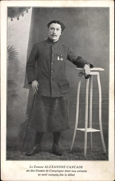 Ak Le Zouave Alexandre Cancade, La Famille du Rameau d'Olivier, Französischer Soldat