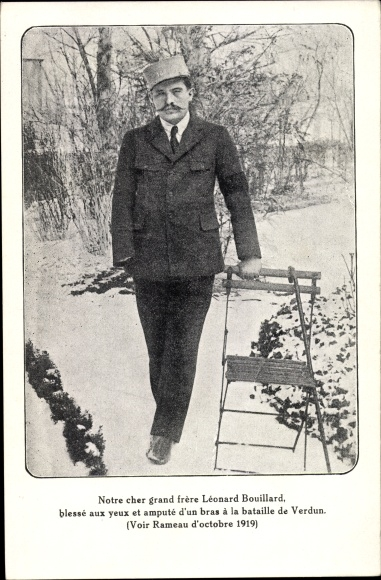 Ak Léonard Bouillard, La bataille de Verdun, Rameau d'Olivier, verwundeter Soldat, I. WK