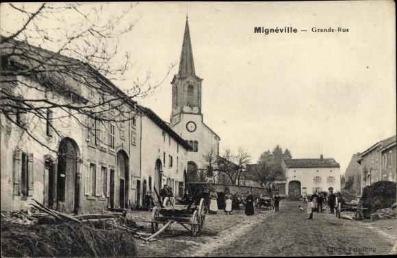 Ak Mignéville Meurthe et Moselle, Grande Rue, Kirche, Karren