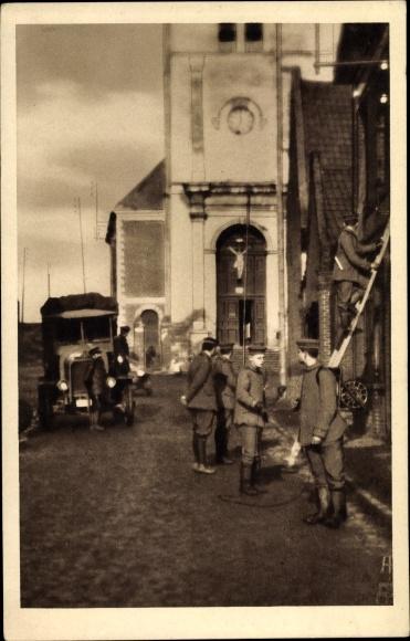 Ak Telephonanlage, Soldaten, Automobil, Kirche