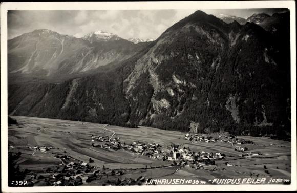 Ak Umhausen in Tirol, Totalansicht, Felder, Gebirge, Fundus Feiler