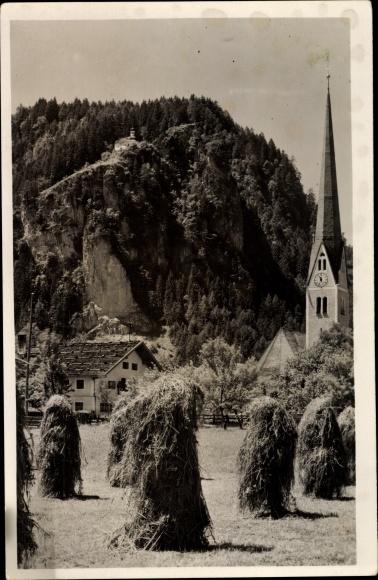Ak Straß Tirol, Kirche, Acker, Kornballen