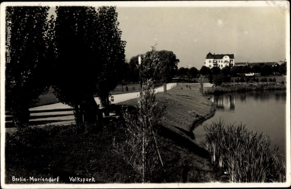 Ak Berlin Tempelhof Mariendorf, Volkspark, Seeufer, Schilf, Weg, Haus