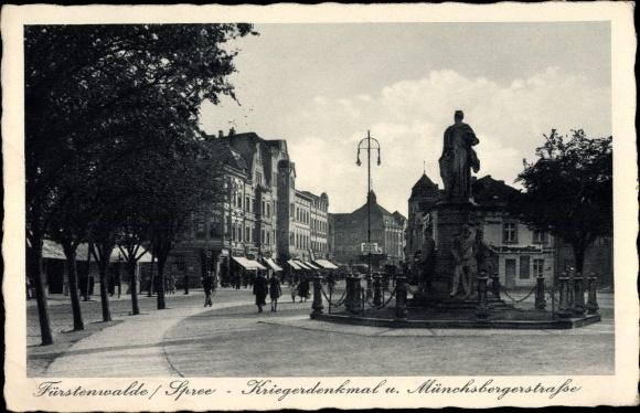 Ak Fürstenwalde an der Spree, Kriegerdenkmal, Münchsberger Straße