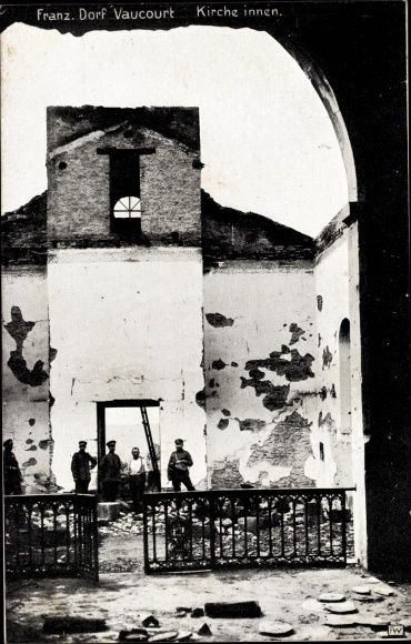 Ak Vaucourt Lothringen Meurthe et Moselle, Kriegszerstörungen, Kirchenruine, I. WK