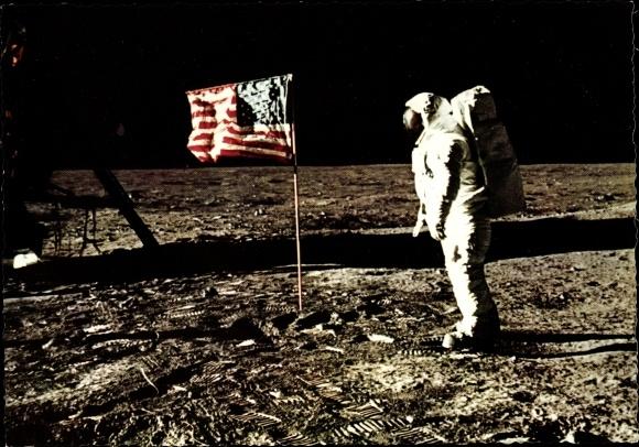 Ak US Astronaut Edwin Aldrin auf dem Mond, 21. Juli 1969, US Flagge, Neil Armstrong
