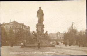 Ak München Bayern, König Maximilian II. Denkmal, Maximilianeum