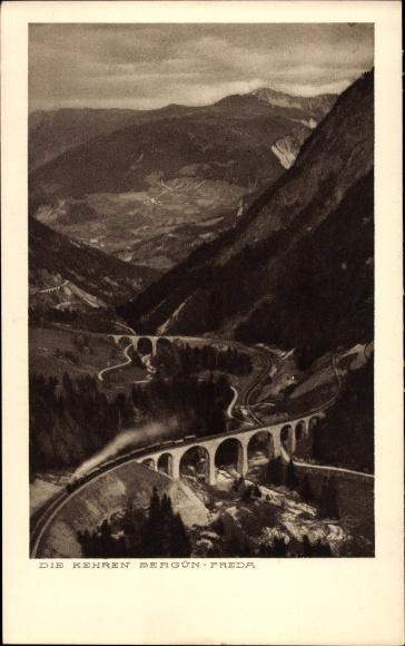 Ak Bergün Bravuogn Kt. Graubünden Schweiz, Rhätische Bahn, Viadukt, Dampflok, Landschaftsblick
