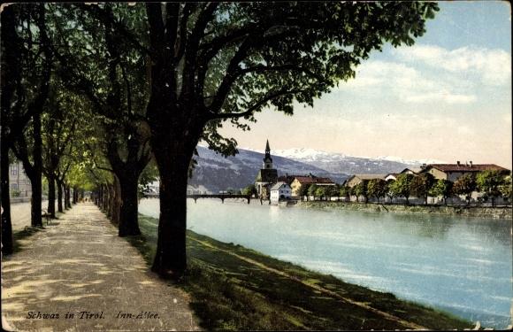 Ak Schwaz in Tirol, Inn Allee, Kirche, Brücke, Berge