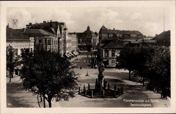 Ak Fürstenwalde an der Spree, Denkmalsplatz