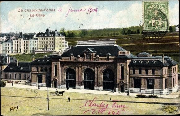 Ak La Chaux de Fonds Kt. Neuenburg Schweiz, La Gare, vue extérieure