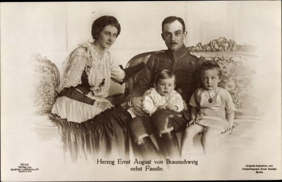 Ak Herzog Ernst August von Braunschweig, Prinzessin Victoria Luise von Preußen, Söhne, Liersch 7740