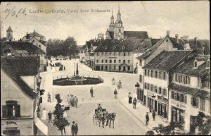 Ak Ludwigsburg in Baden Württemberg, Partie am Holzmarkt, Denkmal, Pferdekutsche, Hofapotheke