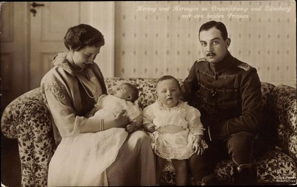 Ak Herzog Ernst August von Braunschweig, Prinzessin Victoria Luise von Preußen, Söhne