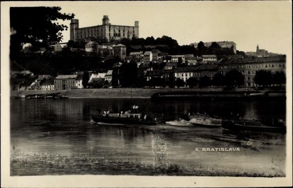 Ak Bratislava Pressburg Slowakei, Flusspartie, Teilansicht der Stadt