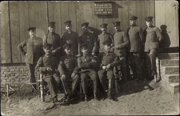 Foto Ak Deutsche Soldaten in Uniformen, II. Rekr Depot Ers Batl I. Garde Fuß Artl Regt
