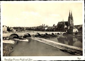 Ak Regensburg an der Donau Oberpfalz, Steinerne Brücke, Totalansicht, Dom, Teilansicht der Stadt