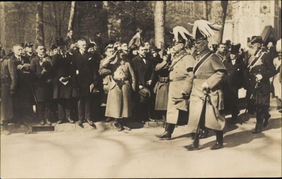 Ak Potsdam, Beisetzung der Kaiserin Auguste Viktoria, Hindenburg, Ludendorff, Tirpitz