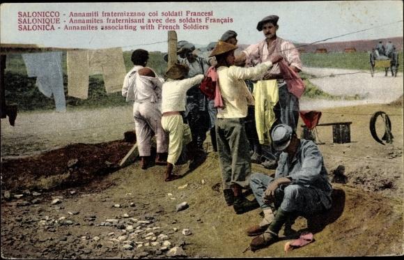 Ak Thessaloniki Griechenland, Annamites fraternisant aves des soldats francais