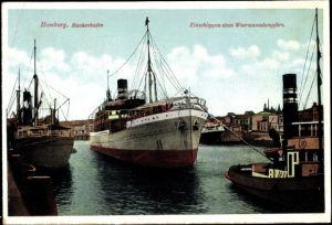 Ak Hamburg, Baakenhafen, Einschleppen eines Woermanndampfers