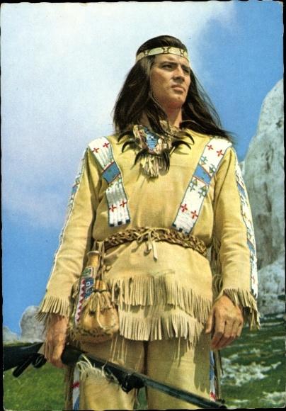 Ak Schauspieler Pierre Brice, Winnetou, Indianer