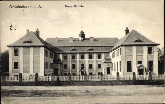 Ak Oranienbaum Wörlitz Sachsen Anhalt, Neue Schule
