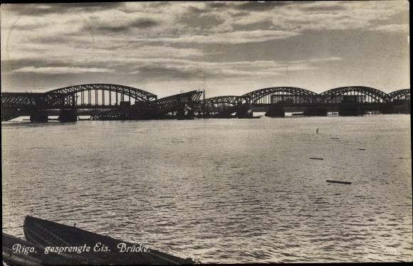 Ak Riga Lettland, gesprengte Eisenbahnbrücke