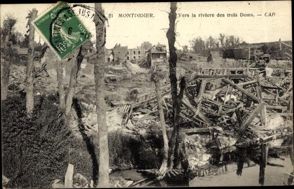 Ak Montdidier Somme, Vers la riviere des trois Doms, ruines, vue partielle du village