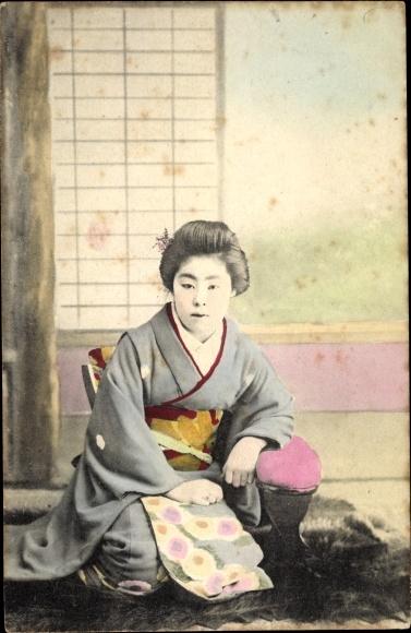 Ak Japan, Japanerin im Kimono