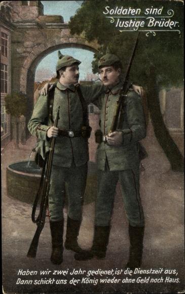Ak Soldaten sind lustige Brüder, Zwei Soldaten in Uniformen