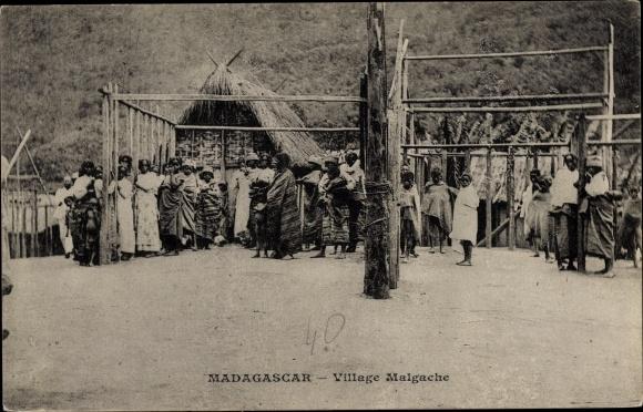 Ak Madagaskar, Village malgache, Dorf, Anwohner