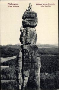 Ak Pfaffendorf Königstein an der Elbe Sächsische Schweiz, Kletterer an der Barbarine beim Abseilen