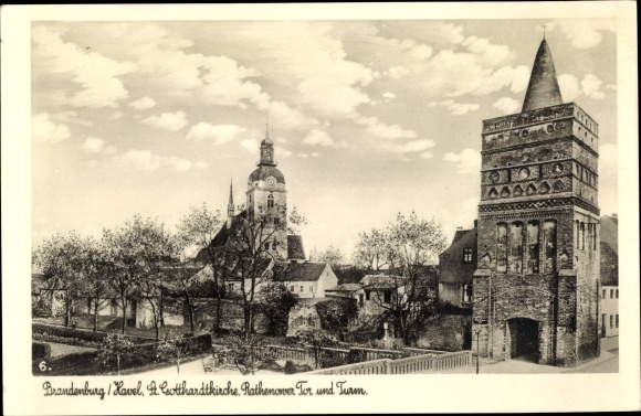 Ak Brandenburg an der Havel, Lutherische Gotthardkirche, Rathenower Tor, Turm