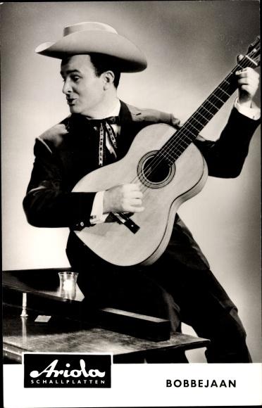 Ak Sänger Bobbejaan, Portrait mit Gitarre, Cowboyhut, Ariola Schallplatten