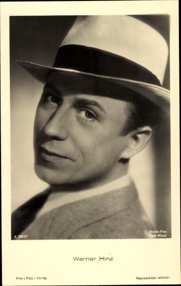Ak Schauspieler Werner Hinz, Portrait, Hut