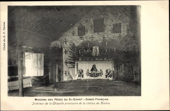 Ak Französisch Kongo, Missions des Pères du St. Esprit, Intérieur de la Chapelle, Kialou