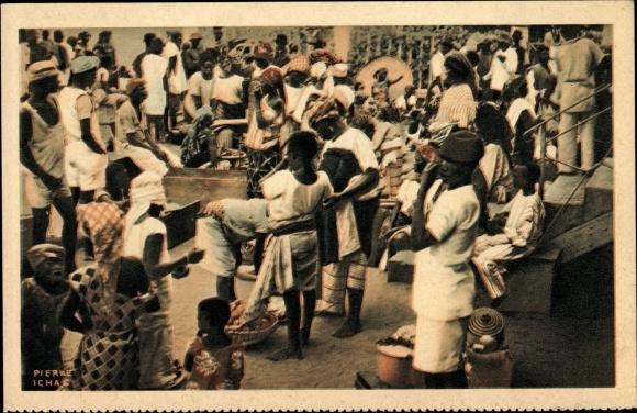 Ak Cotonou Dahomey Benin, A la gare