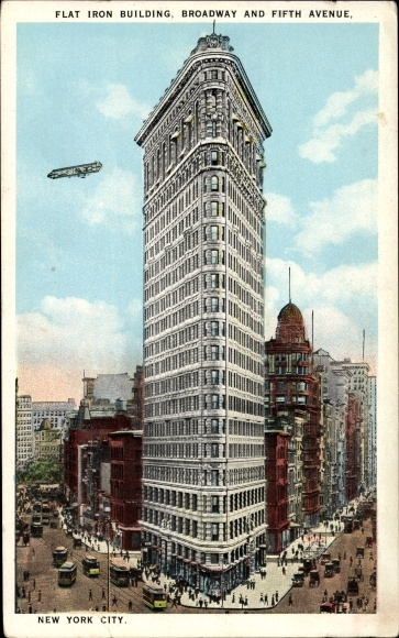 Ak New York City USA, Flat Iron Building, Braodway and Fifth Avenue, Flugzeug 0