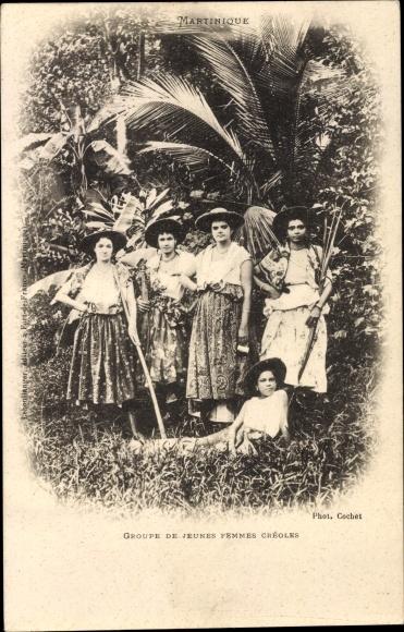 Ak Martinique, Groupe de jeunes femmes Créoles 0