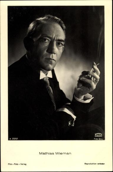 Ak Schauspieler Mathias Wieman, Portrait, Zigarette