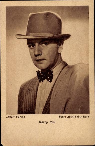 Ak Schauspieler Harry Piel, Portrait in Hut