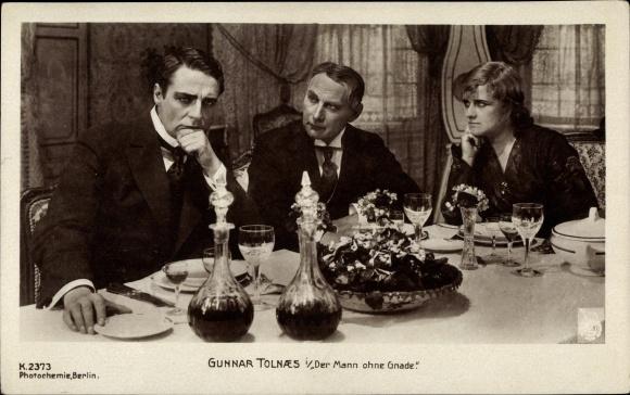 Ak Filmszene Der Mann ohne Gnade, Schauspieler Gunnar Tolnaes 0