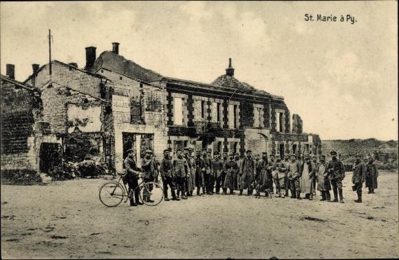 Ak Sainte Marie à Py Marne, Kriegszerstörungen, I. WK, Dt. Soldaten, Gruppenbild 0