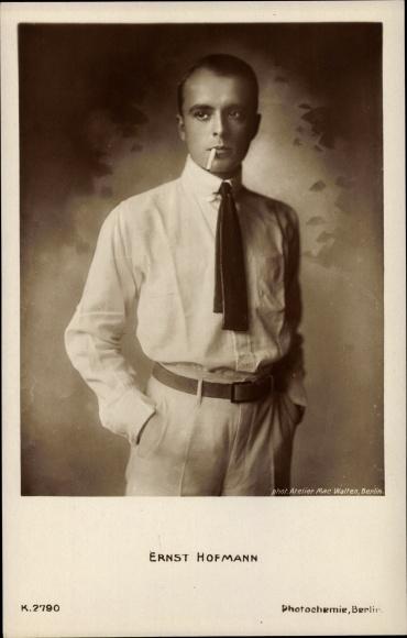 Ak Schauspieler Ernst Hofmann, Portrait, Zigarette 0