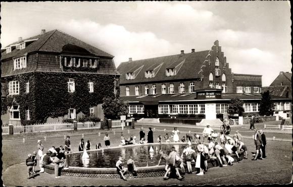 Ak Nordseebad Juist in Ostfriesland, Kuranlagen mit Hotel Bracht 0